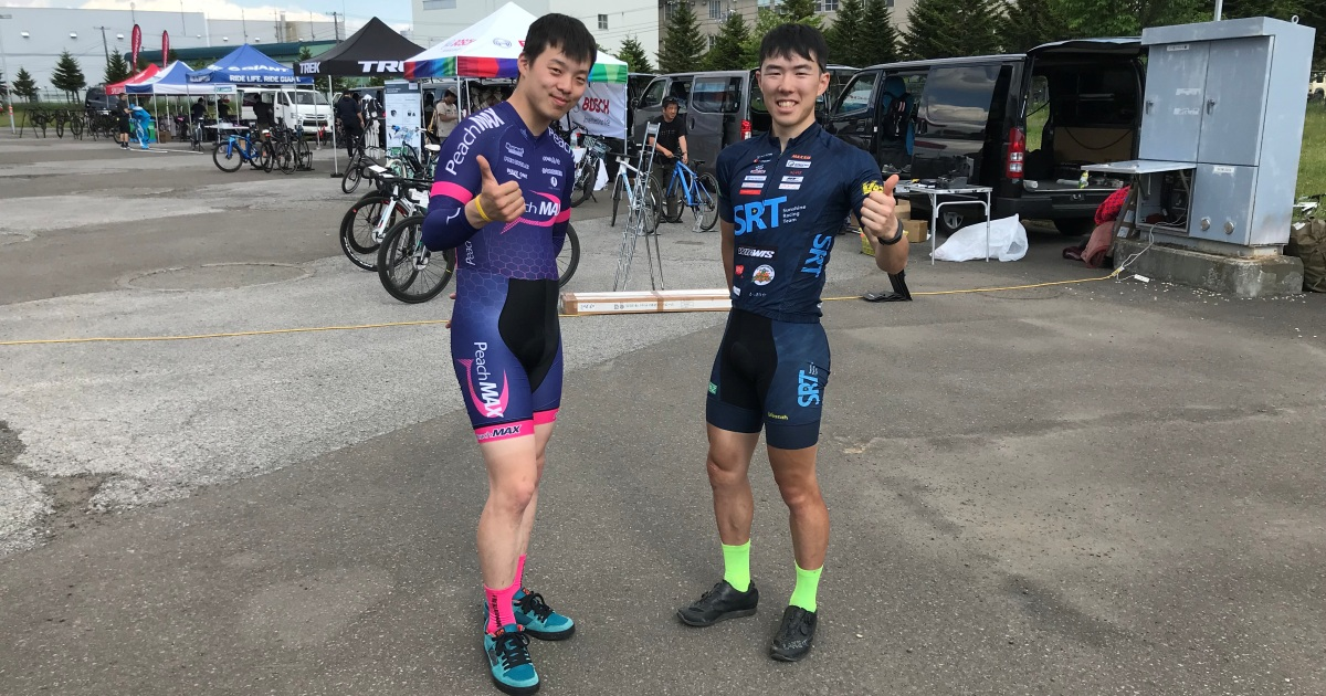 黒瀬選手(Sunshine Racing Team)、長嶋選手(Team PeachMAX)